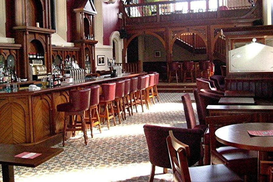 carlton-abbey-hotel-bar-vinyl-flooring